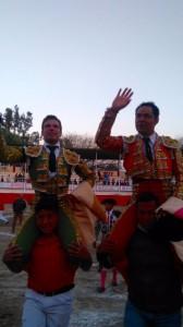 ANGELINO Y MA LEON PUERTA GRANDE EN TEZONTEPEC